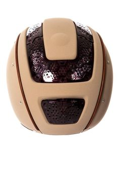 The Casco Prestige Air in Beige , delivers more than Good Looks, due to its Honeycomb Form, which provides the Rider with great air flow even when the exterior