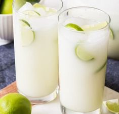 Easy Brazilian Lemonade (Limeade) Brazilian Lemonade, Brazilian Limeade - whatever you want to call it, this is one delicious and refreshing drink that we enjoy year round! Refreshing Drinks, Summer Drinks, Cold Drinks, Limeade Drinks, Lemonade Drink, Honey Lemonade, Margarita Drink, Brazilian Lemonade, Non Alcoholic Drinks