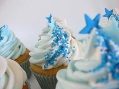 little boy blue cupcakes I love this idea with crowns on top Star Cupcakes, Cupcakes For Boys, Blue Cupcakes, Baking Cupcakes, Yummy Cupcakes, Birthday Cupcakes, Cupcake Cookies, Cupcake Recipes, Cupcake Ideas