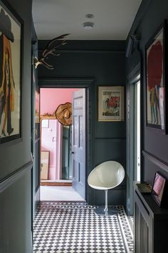 Lobby Design, Wall Exterior, Interior And Exterior, Hallway Paint Colors, Paint Colours, Hallway Colour Schemes, Paint Color Schemes, Banks House, Modern Country Kitchens