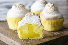 These Lemon Meringue Cupcakes are made with a light lemon cake, lemon curd filling and lightly toasted meringue frosting! It's like Lemon Meringue Pie in cupcake form! I've been loving turning fun pie flavors into cupcakes! 12 Cupcakes, Lemon Cupcakes, Yummy Cupcakes, Cupcake Cakes, Cupcakes Boston, Strawberry Cupcakes, Birthday Cupcakes, Pie Flavors, Cupcake Flavors