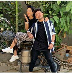 Best Friend Poses, Best Friend Pictures, Friend Pics, Best Friend Photography, Couple Photography Poses, Punjabi Couple, Social Media Influencer, Indian Designer Wear, Best Couple