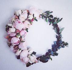 Bridal floral crown.