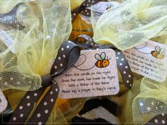 Mornin' hens! Sorry for the lack of posts lately, but I've been busy working on projects for Lil' Chick's baby shower! I can hardly wai...