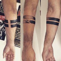 Armband Tattoo 84 tattoo 75 Tatouage à Brassard Important Black Band Tattoo, Band Tattoos For Men, Forearm Band Tattoos, Tattoos Arm Mann, Cool Tattoos For Guys, Body Art Tattoos, Hand Tattoos, Sleeve Tattoos, Armband Tattoo Mann