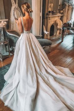 Wedding Gown Luxury A-Line Lace Backless V-Neck TulleSleeveless Slit Wedding Dresses, Dream Wedding Dresses, Wedding Gowns, Luxury Wedding Dress, Lace Wedding, Spring Wedding, Earthy Wedding Dresses, White Bridesmaid Dresses Long, Wedding Ceremony, Wedding Dress Types