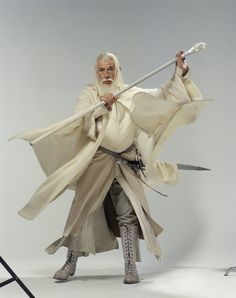 Gandalf portrayed by Sir Ian McKellen Poses Dynamiques, Body Poses, Thranduil, Legolas, Tolkien, Lotr Trilogy, Sir Ian Mckellen, Wizard Robes, Hugo Weaving