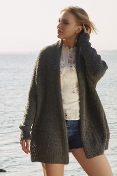 Free Knitting Pattern for an Oversized Relaxed Cardigan - Stricken Oversized Knit Cardigan, Knit Cardigan Pattern, Sweater Knitting Patterns, Free Knitting Patterns For Women, Knitting Ideas, Alpaca Wool, Cardigans For Women, Alpacas, Vest