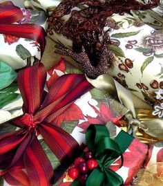 Lovely red & green Christmas packages.