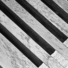 Wood  #wood #woodwork #woodworking #design #chair #furniture #furnituredesign #photography #dailyphography #blackandwhitephotography #sony #sonyalpha6000 #a6000sony de putrajatidanang