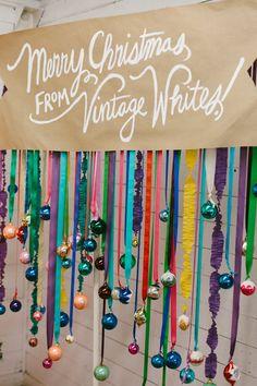 'Tis the Season to Smile: 15 Holiday Photo Booth Ideas via Brit + Co