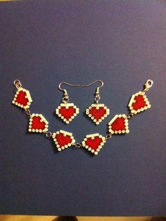 Heart bracelet and earrings set hama beads by Abalorios Rocío Perler Beads, Perler Earrings, Perler Bead Art, Fuse Beads, Pony Bead Patterns, Perler Patterns, Beading Patterns, Seed Bead Crafts, Iron Beads