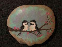 80 romantic valentine painted rocks ideas diy for girl (33)