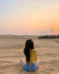 Image may contain: one or more people, sky, beach, ocean, outdoor and nature Asian Photography, Girl Photography Poses, Tumblr Photography, Best Photo Poses, Girl Photo Poses, Girl Photos, Ulzzang Korean Girl, Cute Korean Girl, Korean Beauty Girls