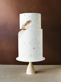 rustic wedding cake stand from once wed diy rustic wedding cake stand once wed 19565