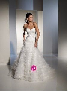 A-ligne Col en cœur Traîne moyenne Robe de mariée en Organza avec Fleurs manuelles Ruché Ruches(FR0257860)