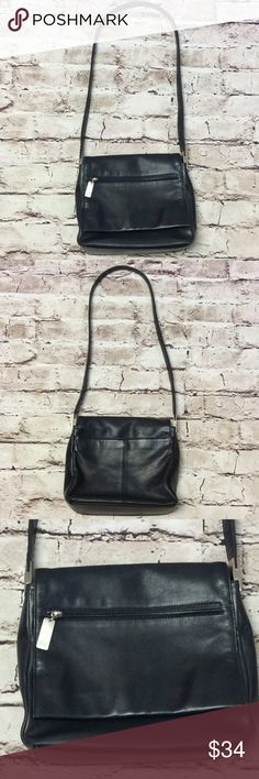 """🎈1 HR SALE🎈LIZ CLAIBORNE NAVY BLUE LEATHER BAG Very gently used bag in genuine leather with a long 17"""" strap drop. Very clean and well kept bag. Flap over closer with magnetic close and an outside magnetic pocket Liz Claiborne Bags"""