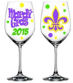 5203948c422 Mardi Gras Wine Glasses Set of 4 by melaniedupuy on Etsy