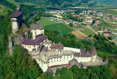 Medieval Fortress, Medieval Castle, Beautiful Castles, Beautiful Buildings, Famous Castles, Cathedral Church, Castle House, Marquise, Fortification