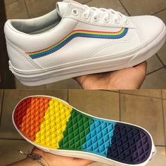 vans rainbow Un poco raro el modelo de vano, pero a la vez es arcoires ? vans rainbow A bit of a vain model, but at the same time it is rainbow ires Vans Sneakers, Tenis Vans, Vans Shoes Outfit, Sneakers Workout, Vans Rainbow, Rainbow Sneakers, Rainbow Outfit, Rainbow Fashion, Basket Vans
