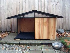 Why is using a dog house a good idea? Most people tend to have the misconception that dog houses are meant for only those dog owners who intend to keep their dogs outside. Modern Dog Houses, Cool Dog Houses, Cat Houses, Puppy Obedience Training, Basic Dog Training, Training Dogs, Dog House Plans, Cabin Plans, Positive Dog Training