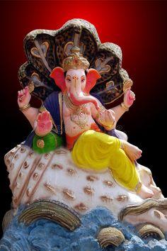 Shri Ganesh Images, Ganesh Chaturthi Images, Ganesha Pictures, Ganesh Lord, Lord Shiva Statue, Lord Vishnu, Clay Ganesha, Ganesha Art, Color Wallpaper Iphone