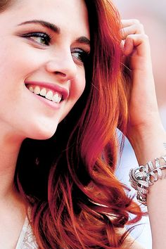 She's so beautiful when she smiles. Which she does. A LOT. #kristenstewart