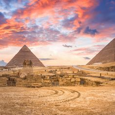 Explore the Pyramids and So Much More In Egypt's Ancient Capital - Africa Egypt Travel, Africa Travel, Places To Travel, Places To See, Kairo, Labyrinth, Pyramids Of Giza, Destination Voyage, Cairo Egypt