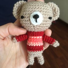 Sweater bear amigurumi