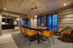 Hafjell - Stor hytte med høy standard under oppføring Mountain Cottage, Wooden Cabins, Jacuzzi, Dining Table, Real Estate, Interior, Ski, Kitchen, Furniture