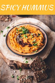 How to Make a Spicy Hummus Recipe Best Spicy Hummus Recipe, Spicy Hummus Recipe Without Tahini, Pesto Hummus, Make Hummus, Homemade Hummus, Tofu Recipes, Healthy Recipes, Healthy Meals, Ramadan Recipes