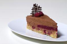 Čokoladna mousse torta sa želeom od malina | Kuhari.com