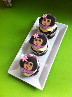 Cupcakes personalizados con el personaje de Dora Exploradora elaborados por TheCakeProject en Madrid
