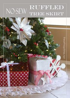 No-sew ruffled tree skirt - A Christmas craft for non-sewers. The simple design is perfect for any space.