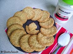 Biscuiti cu tarate de ovaz si scortisoara - Powered by Stevia, Biscuit, Food To Make, Deserts, Muffin, Healthy Recipes, Healthy Food, Sugar, Cookies