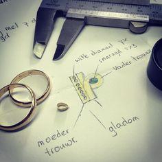 Schitterend project vandaag! Gouden damesring met 7 diamanten en een peervormige smaragd, vervaardigd van haar ouders trouwringen#voelmevereerd#handgemaaktesieraden #handmadejewelry #memorialjewellery #memorialjewelry #goudsmid #goudsmidmetpassie #goudsmidmargriet #diamanten#smaragd