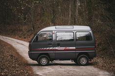 Atlanta-based stunt driver Chris Almon shares how he imported this nifty Suzuki Every kei van. Suzuki Carry, Cab Over, Cool Campers, Expedition Vehicle, Mini Trucks, Daihatsu, Toy Hauler, Cute Cars, Van Life