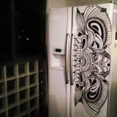Reminds me of my mom's art. Maybe I should have her paint my fridge! - La heladera de Dinhio @POSCA Gallery