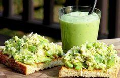 SALATĂ de crudități cu maioneză din AVOCADO (pentru cei care sunt la dietă) | La Taifas