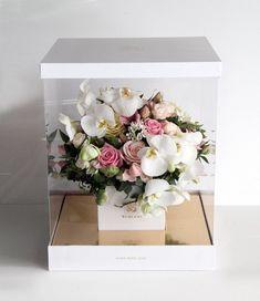 Worood Flower Box Flower Bouquet Boxes, Flower Box Gift, Flower Bag, Diy Bouquet, Diy Flowers, Paper Flowers, Flower Room Decor, Flower Subscription, Flower Boutique
