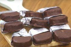 Πως να φτιάχνετε τις πολυαγαπημένες καριόκες - O Άκης Πετρετζίκης σε σοκολατένια περιπέτεια | eirinika.gr