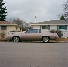 80's car and location