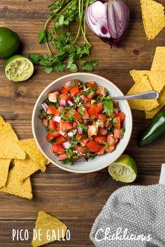 Pico de Gallo Recipe - Chichilicious.com Pesto Dip, Gluten Free Pastry, Recipe Maker, Fresh Tomato Salsa, Vegetarian Appetizers, Recipe Boards, Salsa Recipe, Coq, Mexican Dishes