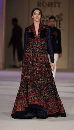 Scarlet Bindi - South Asian Fashion and Travel Blog by Neha Oberoi: LAKME FASHION WEEK SUMMER/RESORT 2016 GRAND FINALE: ROHIT BAL