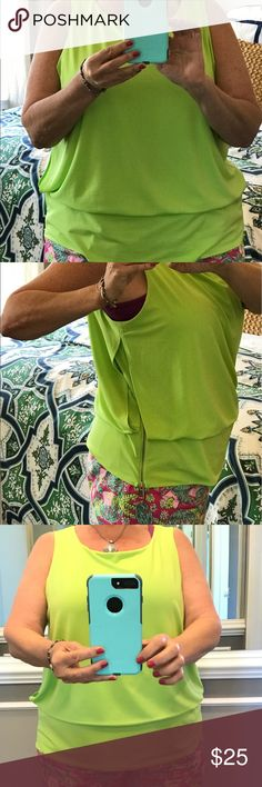 "Alfani Neon Green Sleeveless Top w/Side Zip Sz 2X Alfani Neon Green Sleeveless Top w/Side Zip Sz 2X. Perfect with Lilly Pulitzer Pants!  46"" at bust, 25"" in length. 95% Polyester 5% Spandex. Machine Wash. Made in Vietnam. Tops"
