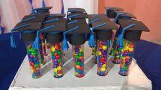 Graduation Souvenirs: 30 Cool Ideas - Crafts Step Lembranças de Formatura: 30 Ideias Legais – Artesanato Passo a Passo! Graduation Souvenirs: 30 Cool Ideas – Crafts Step by Step! Graduation Party Themes, Preschool Graduation, Graduation Party Decor, Grad Parties, School Gifts, Student Gifts, Graduation Gifts, Decoration, Gummy Bears