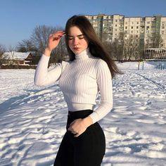 next_future_supermodels - Michael Stain 🌐 Shotting Photo, Best Photo Poses, Aesthetic Women, Western Girl, Fashion Outfits, Womens Fashion, Fashion Tips, Tumblr Girls, Dress To Impress