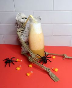 Easy Candy Corn Smoothie Recipe | Healthy Halloween Smoothie Recipe for Kids. #recipes #healthyrecipes #halloweenrecipes #kids'recipe