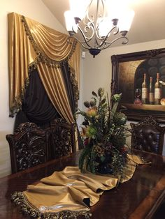 Tuscan Dining Rooms, Elegant Dining Room, Dining Room Design, Curtains And Draperies, Elegant Curtains, Drapery, Tuscan Style Decorating, Fried Chicken, Decoration