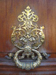 PARIS Heurtoirs et poignées de portes 14,09,09 017 by Dorenrof Claudius **PARIS**, via Flickr
